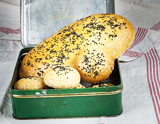 Enkla fiberbrödet – baka mustigt och smakrikt bröd